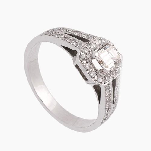 Sortija con diamante central y orla - 1